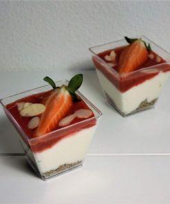 Tvarohový pohárik jahoda od FRESH SNACK TREnčín