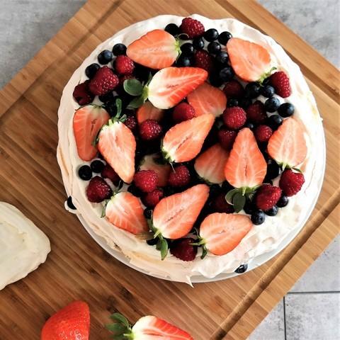 Pavlová torta s ovocím FRESH SNACK Trenčín