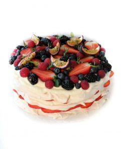 Lahodná pavlová torta s kopou ovocia od FRESH SNACK Trenčín