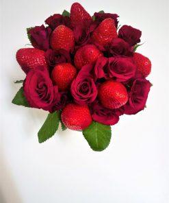Luxusný box ruží a jahôd od FRESH SNACK Trenčín