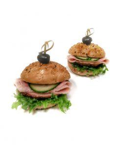 Mini burger celozrnný s extra porciou šunky od FRESH SNACK Trenčín